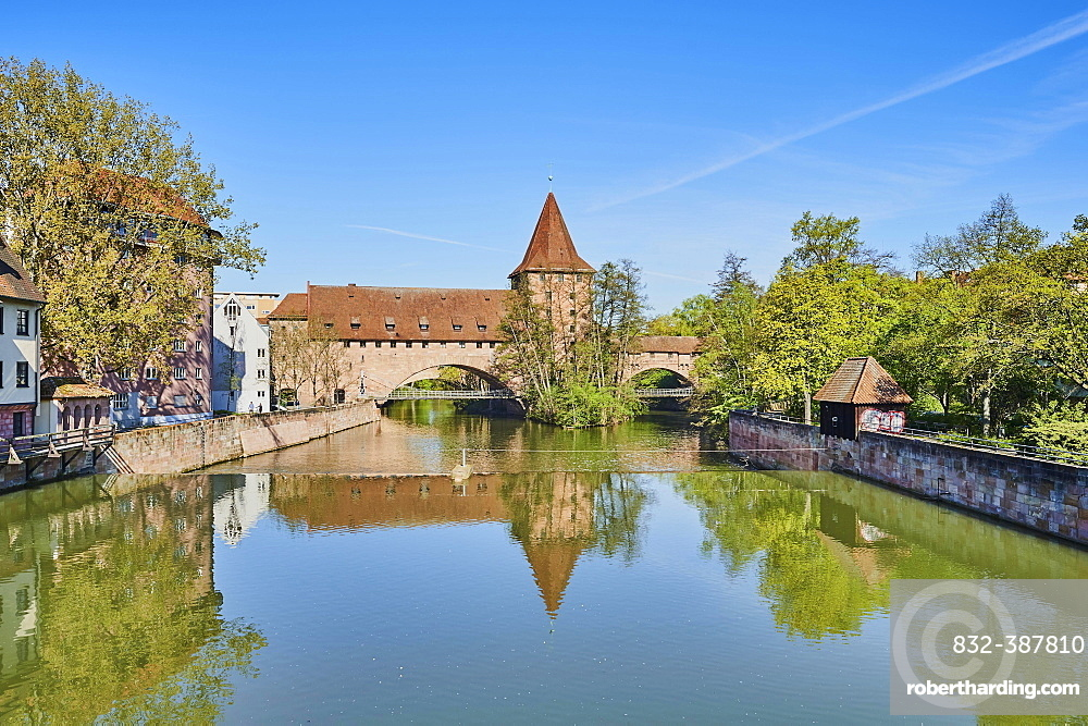 View of the Fronveste and the Schalyerturm and the Kettensteg with the Pegnitz river, Nuremberg, Franconia, Bavaria, Germany, Europe
