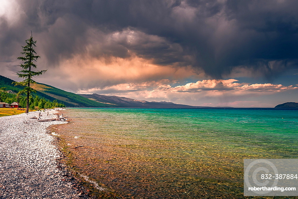 Freshwater lake, Khuvsgul Lake, Khuvsgul Province, Mongolia, Asia