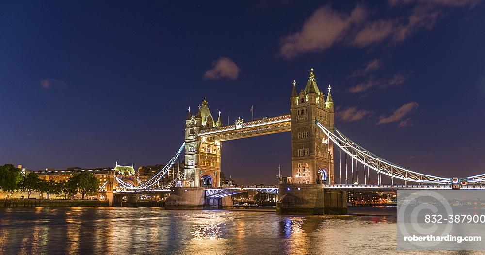 Illuminated Tower Bridge in the evening, London, England, Great Britain