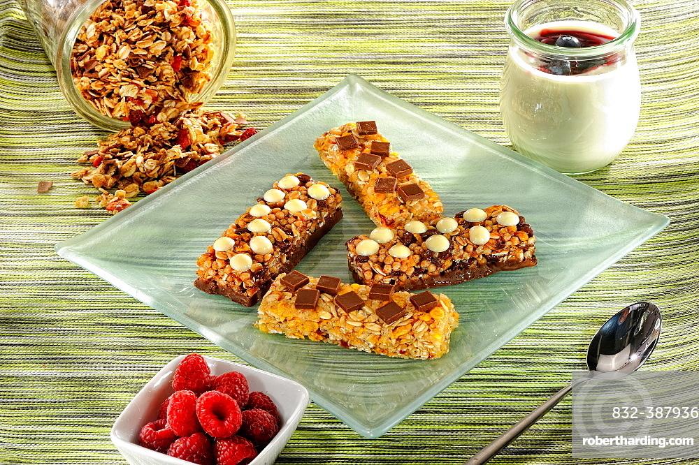 Crunchy bars, power bars, cereals, breakfast, Germany, Europe