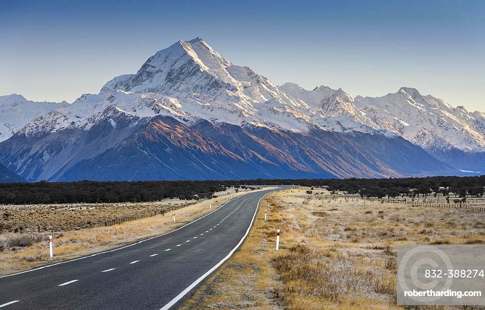 Road to Mount Cook, Aoraki, Mount Cook National Park, Southern Alps, Twizel, Canterbury, New Zealand, Oceania