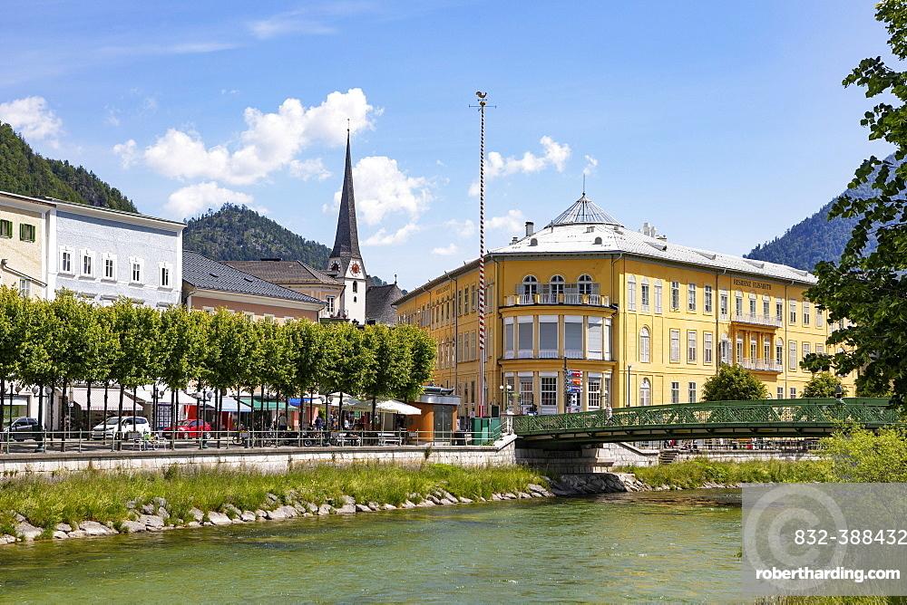 City view of Bad Ischl with river Traun, Salzkammergut, Upper Austria, Austria, Europe