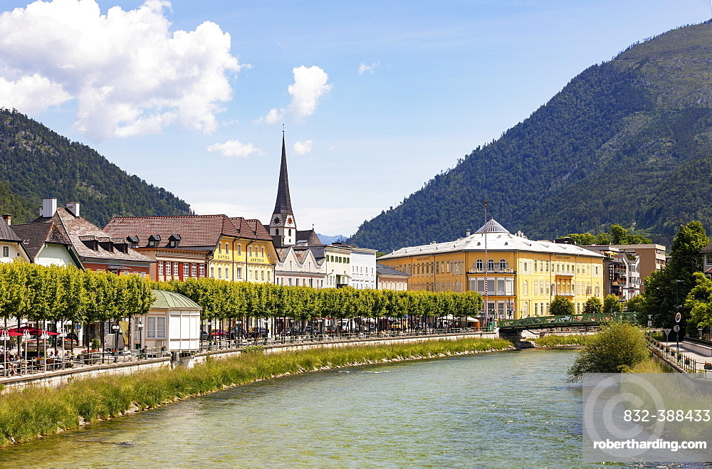 City view of Bad Ischl with river Traun, Esplanade with Cafe Zauner, Salzkammergut, Upper Austria, Austria, Europe