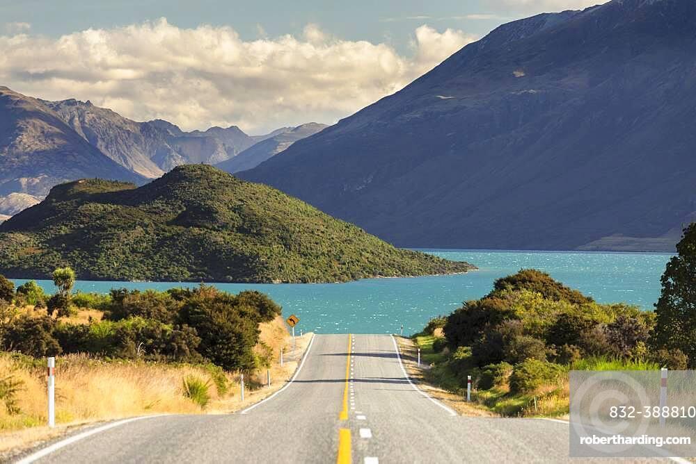 Road at Lake Wakatipu, Queenstown, Otago, South Island, New Zealand, Oceania