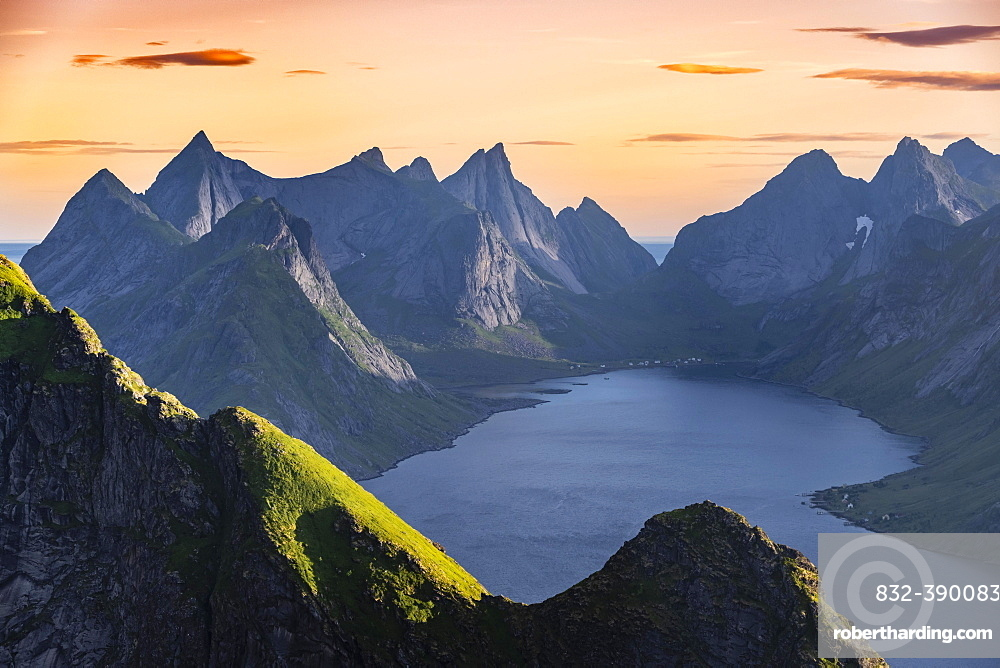 Evening atmosphere, view from Reinebringen, Reinebriggen, Reinefjord with mountains, Moskenes, Moskenesoey, Lofoten, Norway, Europe