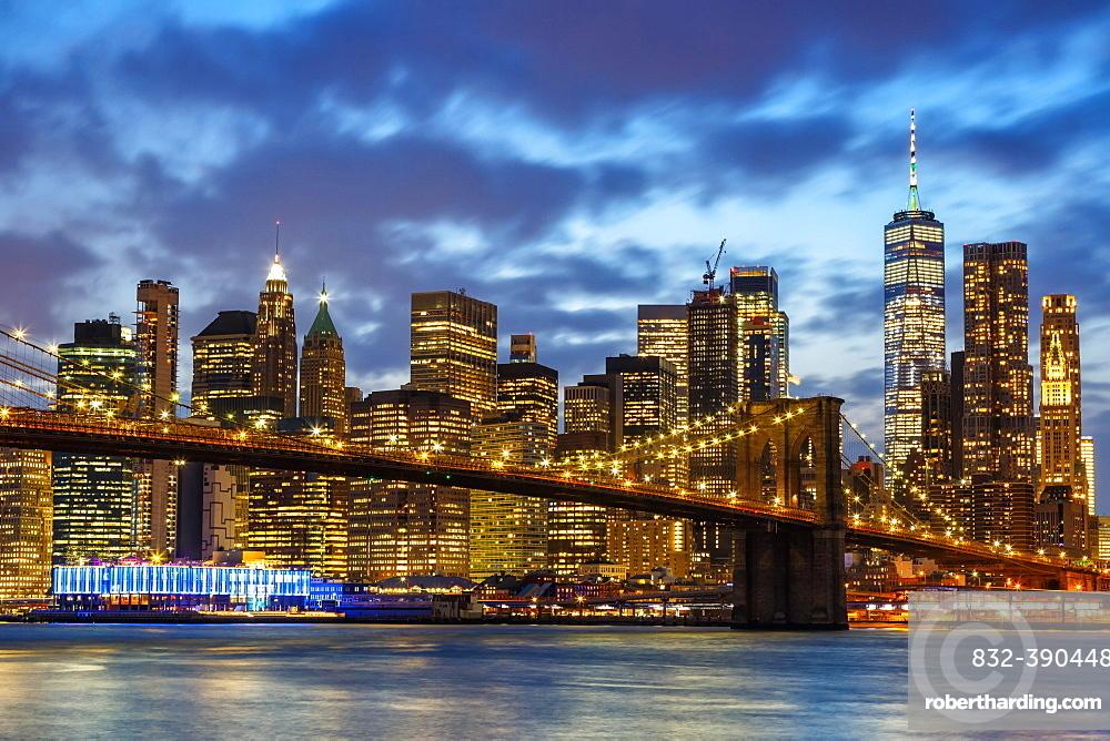 Skyline night city Manhattan Brooklyn Bridge evening America World Trade Center WTC in the, New York City, USA, North America