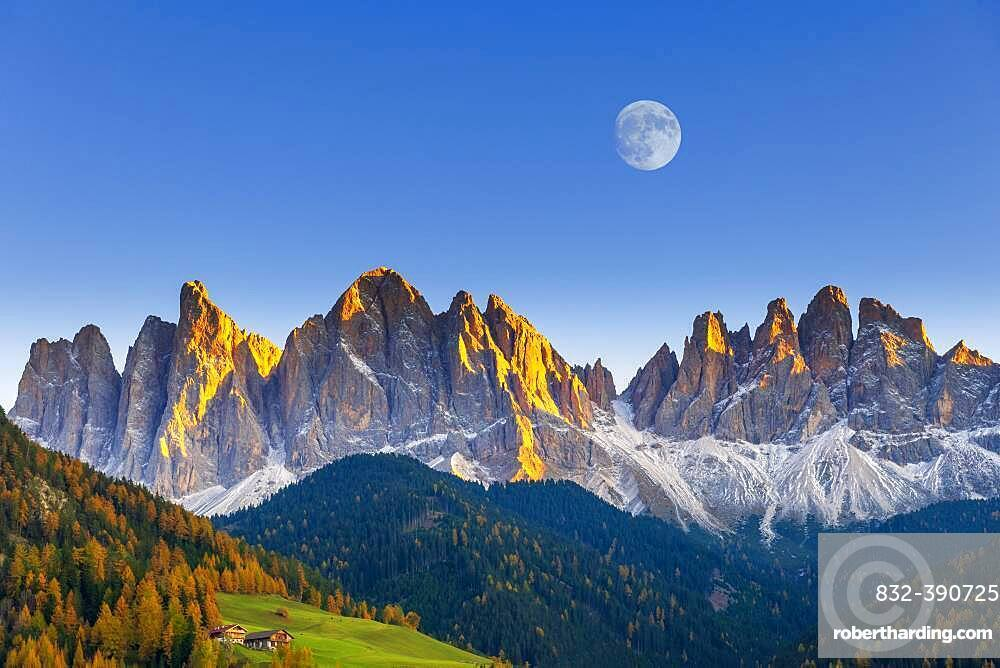 Geislergruppe in the evening light with moon, Villnoesstal, Dolomites, South Tyrol, Italy, Europe