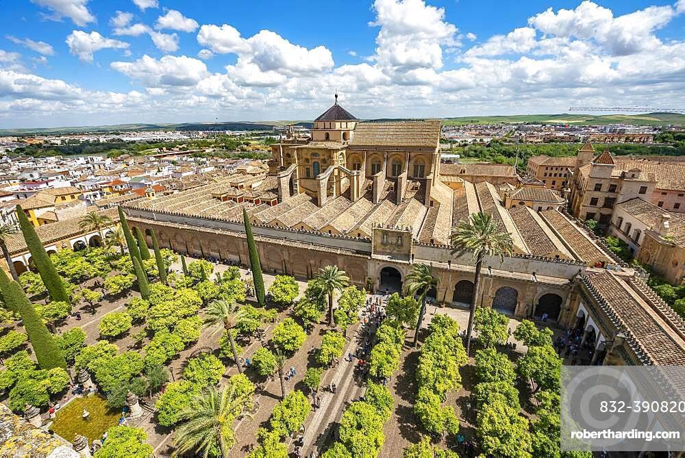 View of Patio de los Naranjos and Mezquita-Catedral de Cordoba, Cordoba, Andalusia, Spain, Europe