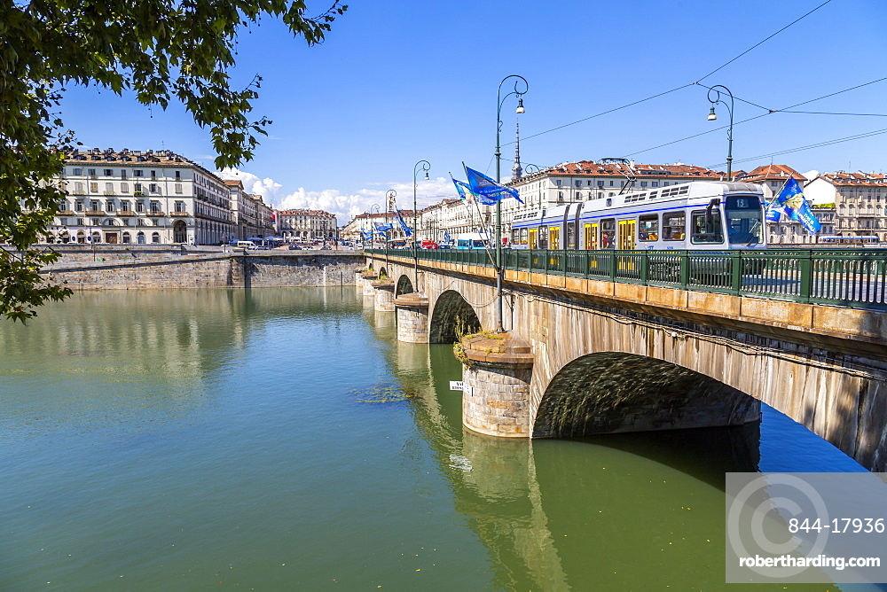 View of Pont Vittorio Emanuele and River Po, Turin, Piedmont, Italy, Europe