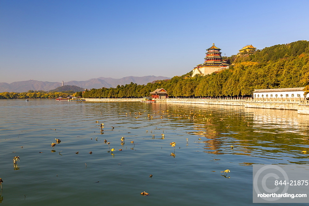 Tower of Buddhist Incense on Longevity Hill and Kunming Lake at Yihe Yuan (The Summer Palace), UNESCO World Heritage Site, Beijing, People's Republic of China, Asia