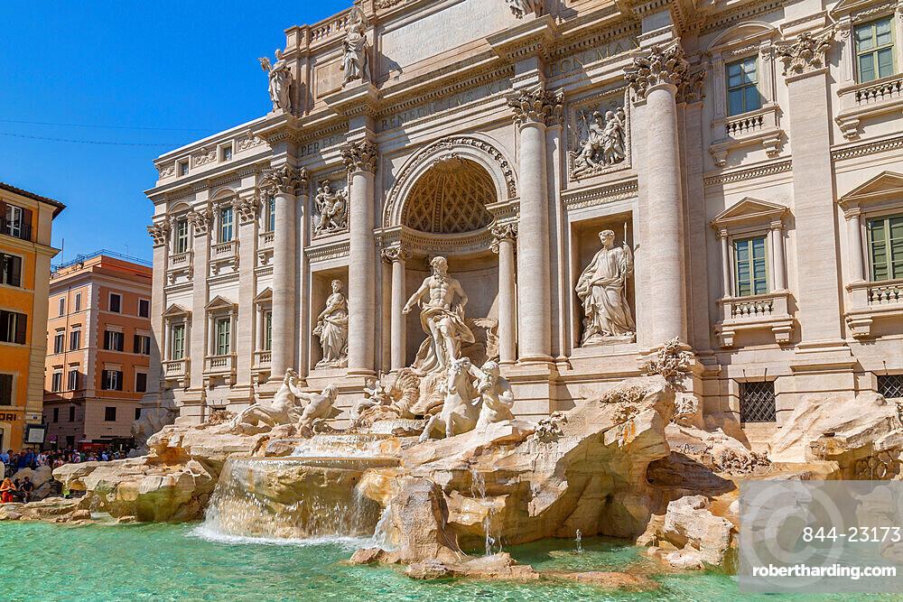 View of Trevi Fountain in bright sunlight, Piazza di Trevi, UNESCO World Heritage Site, Rome, Lazio, Italy, Europe