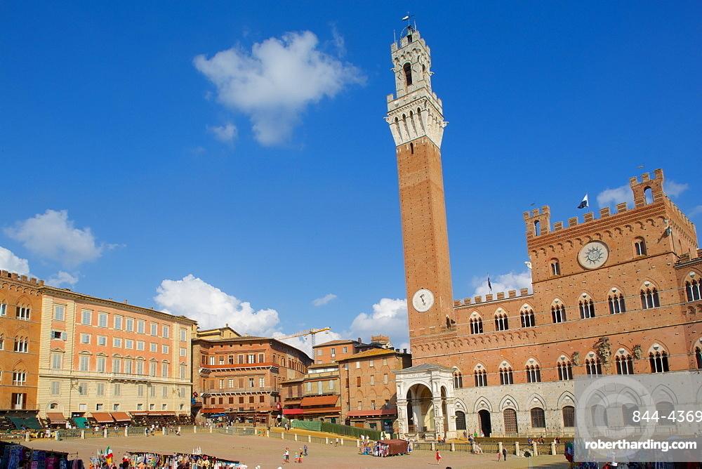 Piazza del Campo, Palazzo Pubblico and Torre del Mangia, Siena, UNESCO World Heritage Site, Tuscany, Italy, Europe