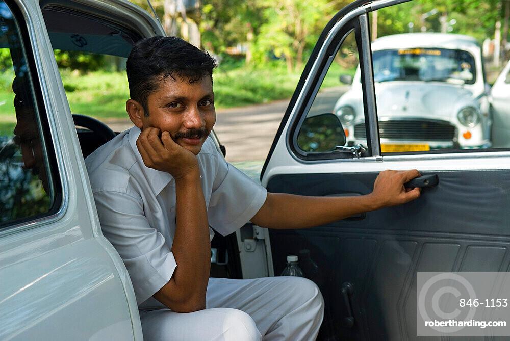 Ambassador Taxi driver, Kochi (Cochin), Kerala, India, Asia