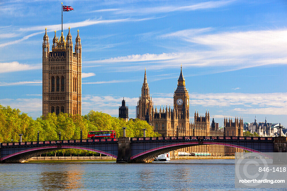 Houses of Parliament and Lambeth Bridge over the River Thames, Westminster, London, England, United Kingdom, Europe