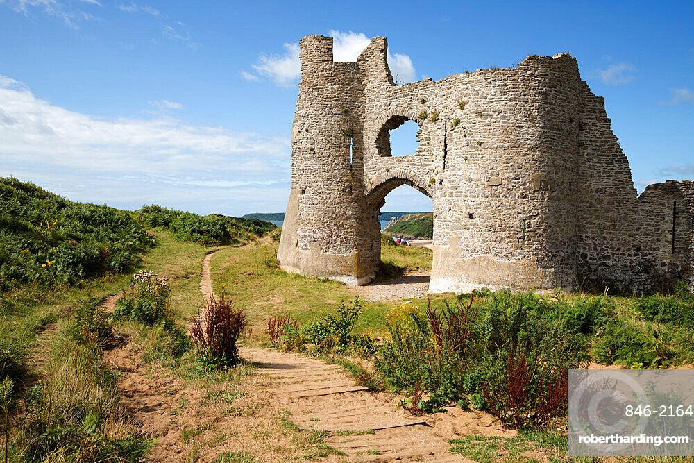 Pennard Castle and Three Cliffs Bay, Gower Peninsula, Swansea, West Glamorgan, Wales, United Kingdom, Europe