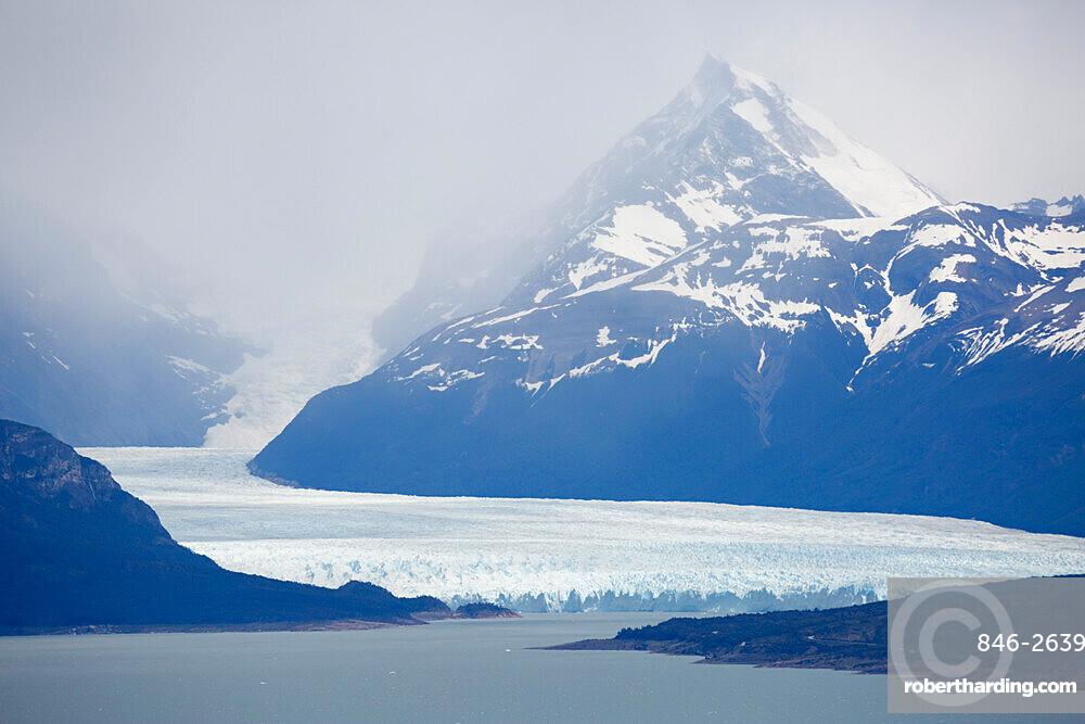 Perito Moreno Glacier on Lago Argentino, El Calafate, Parque Nacional Los Glaciares, UNESCO World Heritage Site, Patagonia, Argentina, South America