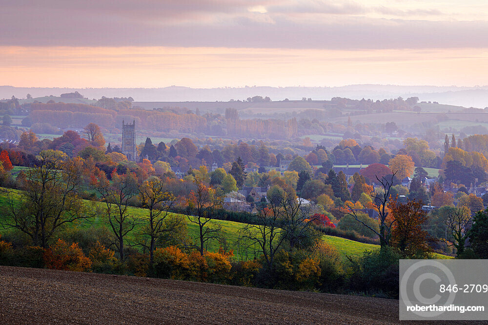 View over Chipping Campden in autumn, Chipping Campden, Cotswolds, Gloucestershire, England, United Kingdom, Europe