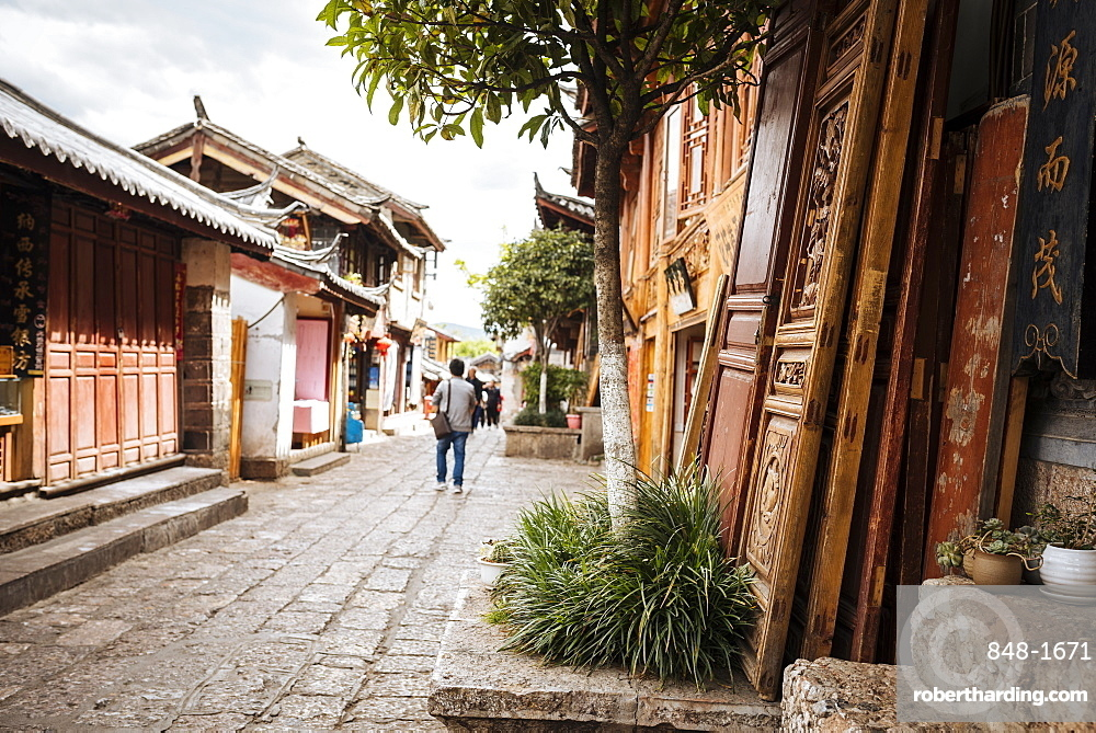 Street scene, Lijiang, UNESCO World Heritage Site, Yunnan Province, China, Asia