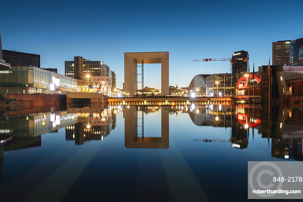 La Grande Arche at twilight, La Defense, Puteaux, Paris, Ile-de-France, France, Europe