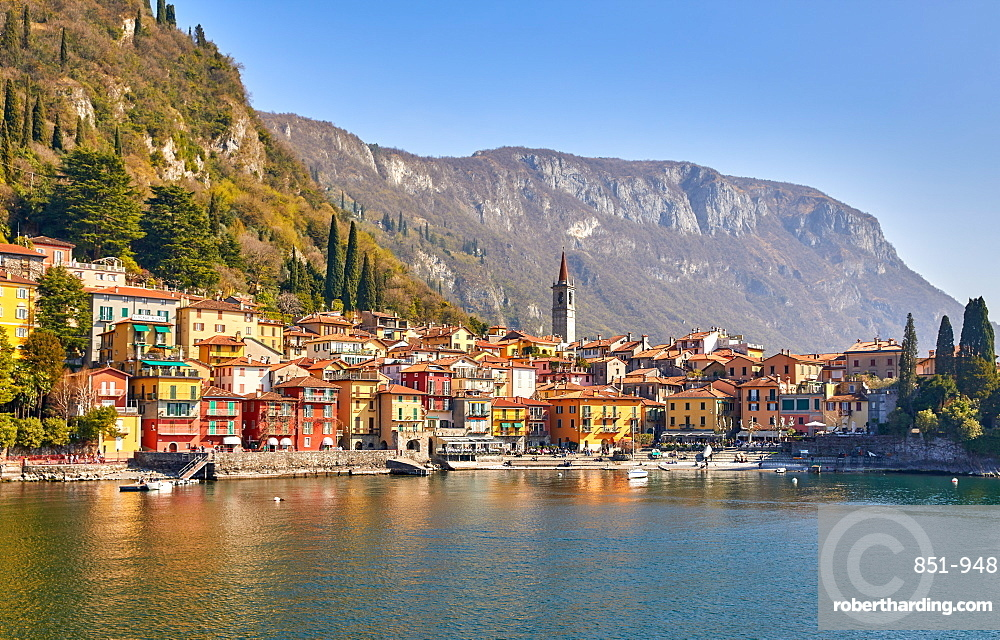 Town of Varenna on Lake Como, Lombardy, Italian Lakes, Italy, Europe