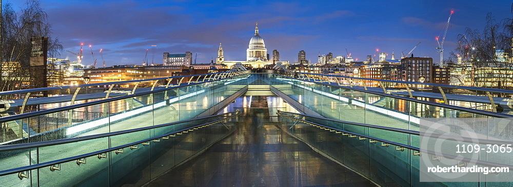 St. Pauls Cathedral at night, seen across Millennium Bridge, City of London, London, England, United Kingdom, Europe
