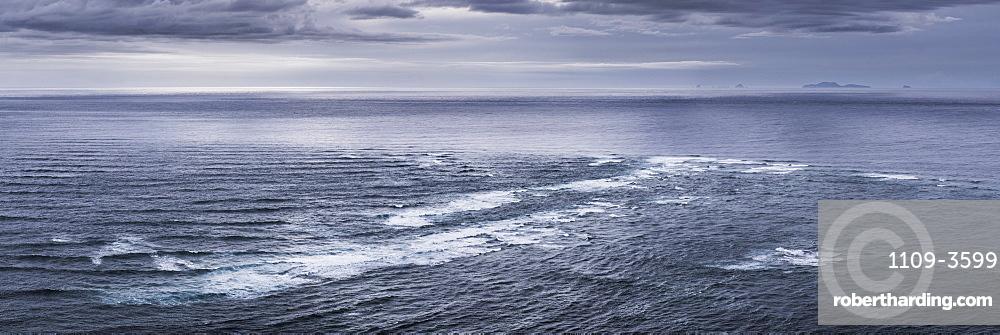 Meeting of the Seas, where the Tasman Sea meets the Pacific Ocean, Cape Reinga (Te Rerenga Wairua), North Island, New Zealand, Pacific