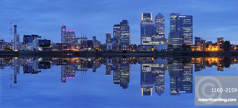 View over River Thames to Canary Wharf, Docklands, London, England, United Kingdom, Europe
