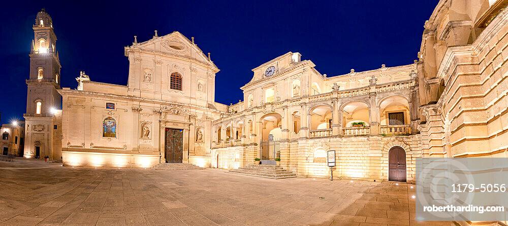 Baroque buildings and Cathedral at night, Piazza del Duomo, Lecce, Salento, Apulia, Italy