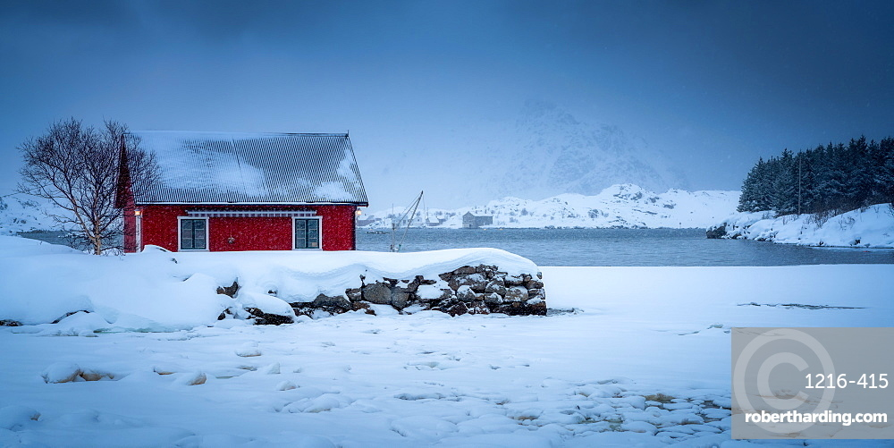 Traditional Rorbu on a snowy winter's day, Lofoten Islands, Nordland, Norway, Europe