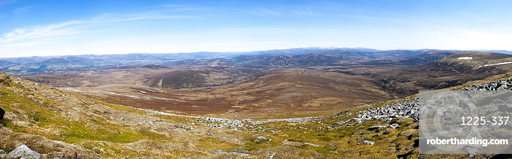 The view from the top of Glen Tromie in the Cairngorms National Park, Scotland, United Kingdom, Europe