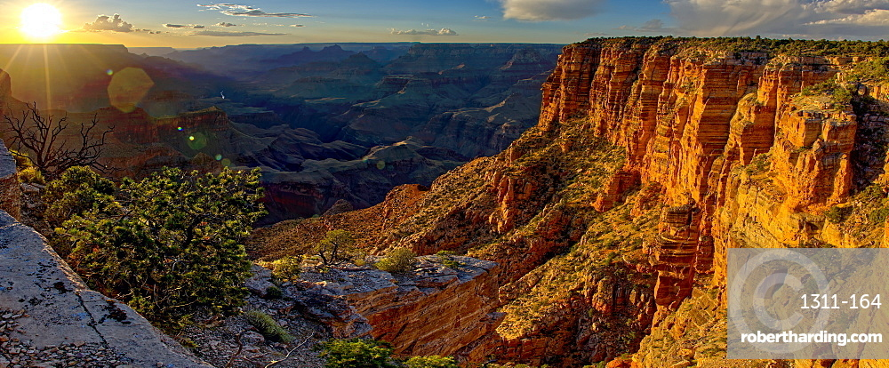 Grand Canyon view just west of Zuni Point on the South Rim nearing sunset, Grand Canyon National Park, UNESCO World Heritage Site, Arizona, United States of America, North America