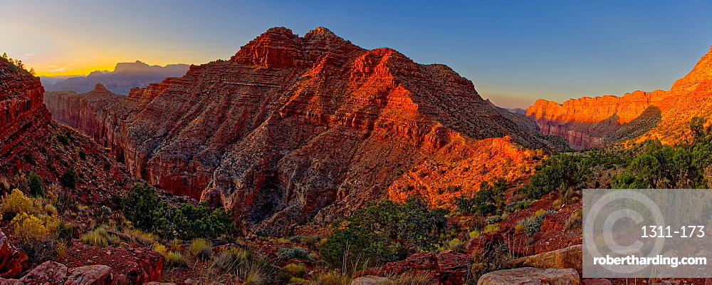 View of Escalante Butte in the Grand Canyon from the Tanner Trail just before sundown, Grand Canyon National Park, UNESCO World Heritage Site, Arizona, United States of America, North America