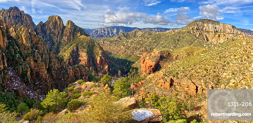 Western view of Sterling Canyon from its crest along the Sterling Pass Trail north of Sedona, Arizona, United States of America, North America