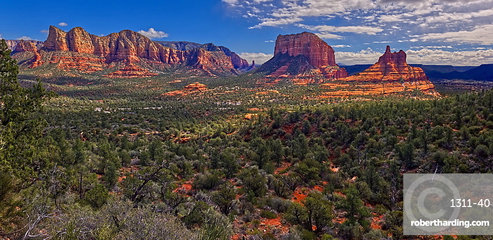 Panorama of Bell Rock, Courthouse Butte, and Lee Mountain, viewed from the HiLine Trail, composed of three photos, Arizona, United States of America, North America