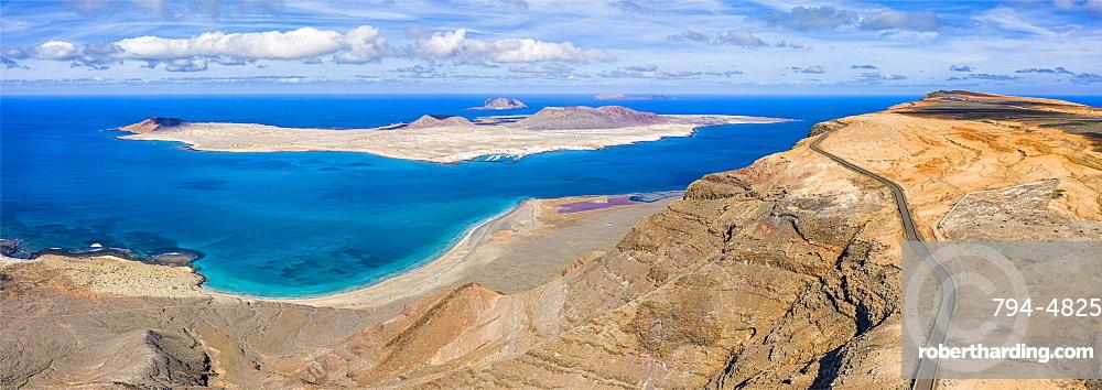 Spain, Canary Islands, Lanzarote, Isla Graciosa viewed from Mirador del Rio