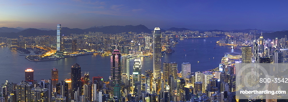 Skyline of Hong Kong Island and Kowloon from Victoria Peak at dusk, Hong Kong Island, Hong Kong, China, Asia