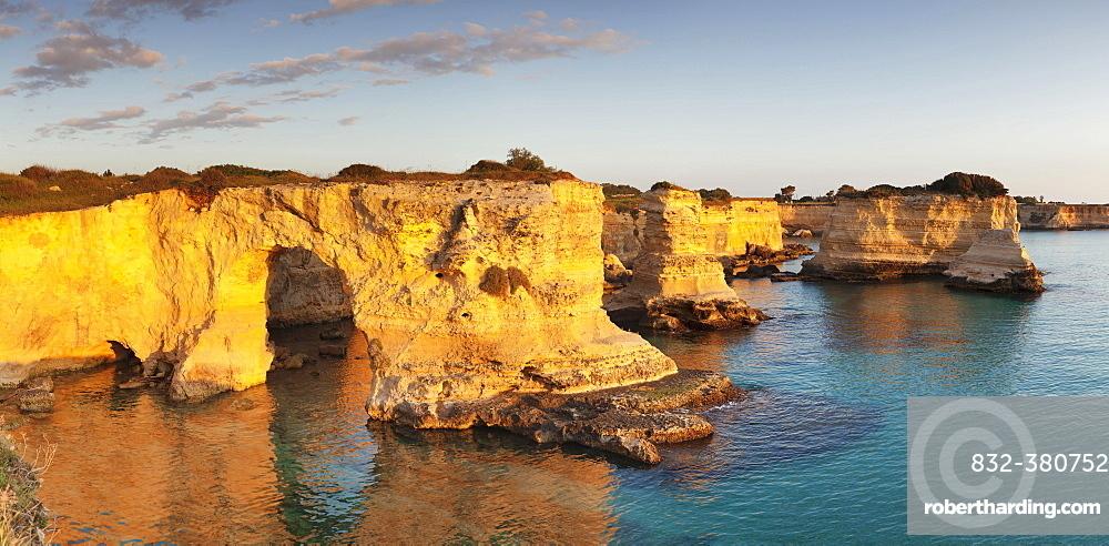 Rugged cliffs, Sant'Andrea, Adria, near Otranto, Province of Lecce, Salentine peninsula, Apulia, Italy, Europe