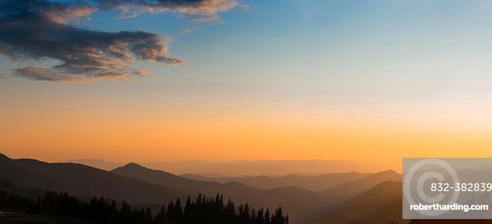 Panorama, sunset in the mountains, mountain silhouettes, Carpathian Mountains, Zakarpattia Oblast, Ukraine, Europe