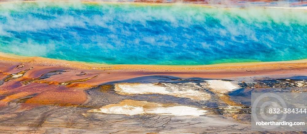 Colored mineral deposits at the edge sr steaming hot spring, detail photo, Grand Prismatic Spring, Midway Geyser Basin, Yellowstone National Park, Wyoming, USA, North America