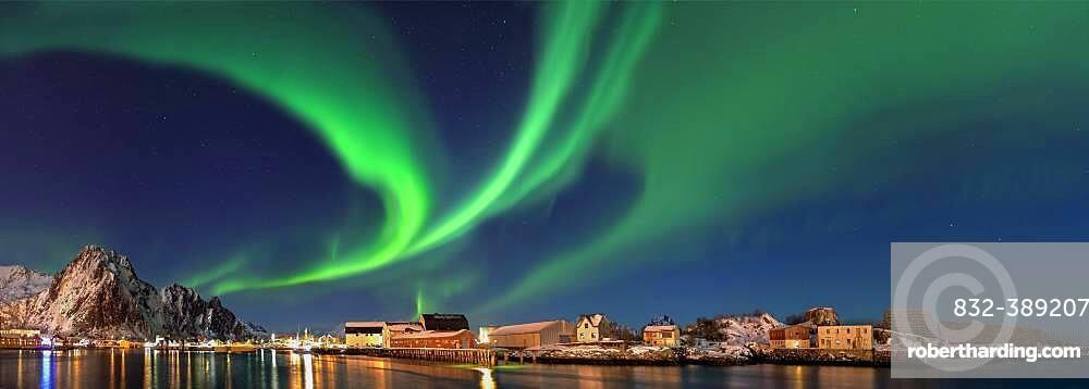 Northern lights in Svolva Panorama Lofoten Norway