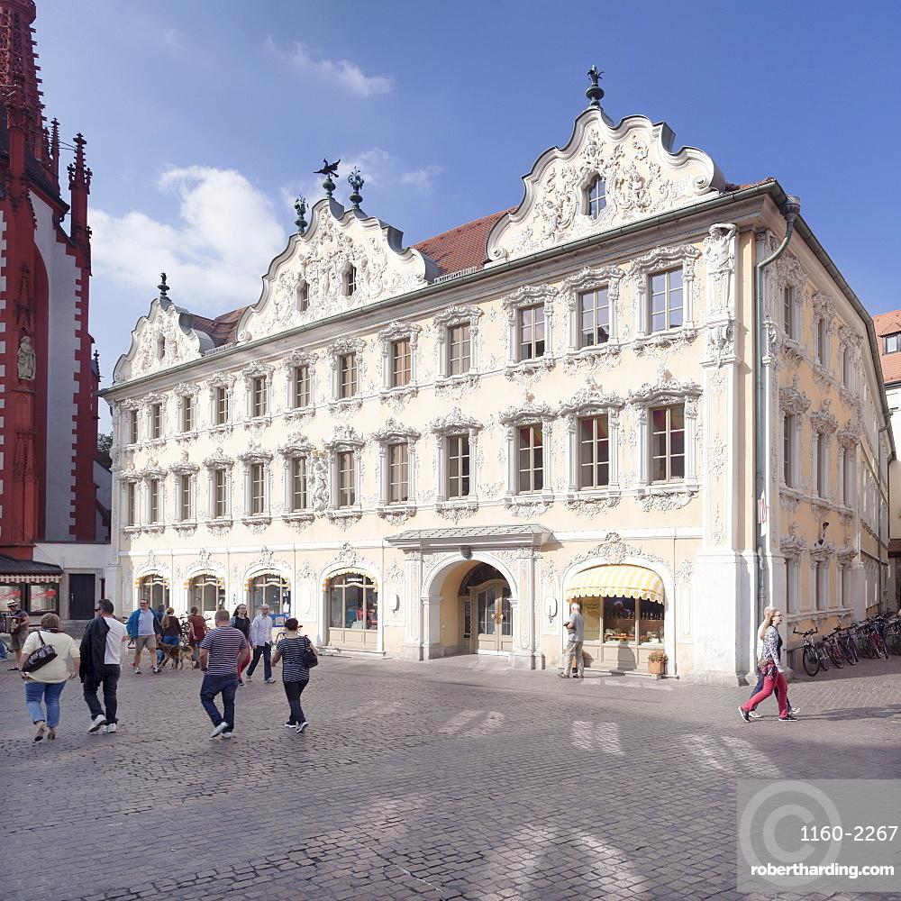 Falkenhaus building, Roccoco stucco decoration, Touristinfo, market square, Wurzburg, Franconia, Bavaria, Germany, Europe