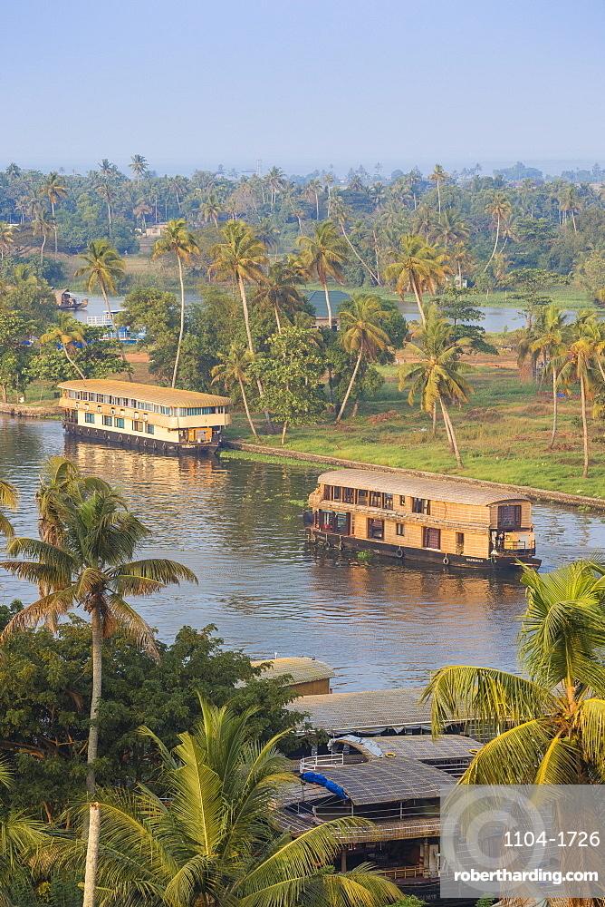 India, Kerala, Alappuzha (Alleppey), Houseboats on backwaters