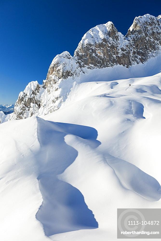 Backcountry skiers, riffl in the Tennengebirge mountains, Salzburg, Austria