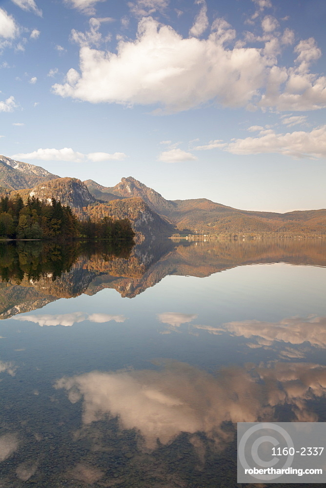 Herzogstand Mountain, Heimgarten Mountain reflecting in Kochelsee Lake, Bavarian Alps, Upper Bavaria, Bavaria, Germany, Europe
