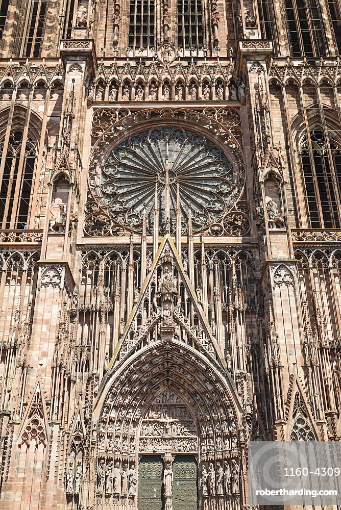 Rose window, west gate, Strasbourg Cathedral Notre Dame, UNESCO World Heritage Site, Strasbourg, Alsace, France