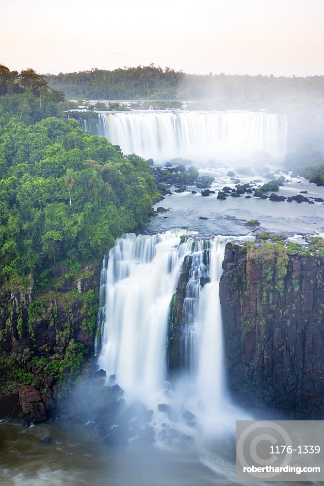 View of the Iguassu waterfalls and river, Iguazu Falls (Foz de Iguacu), UNESCO World Heritage Site, Parana, Brazil, South America