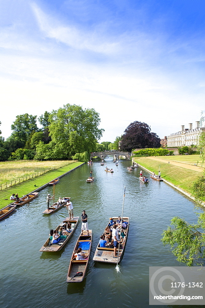Punts on the River Cam, Cambridge, Cambridgeshire, England, United Kingdom, Europe