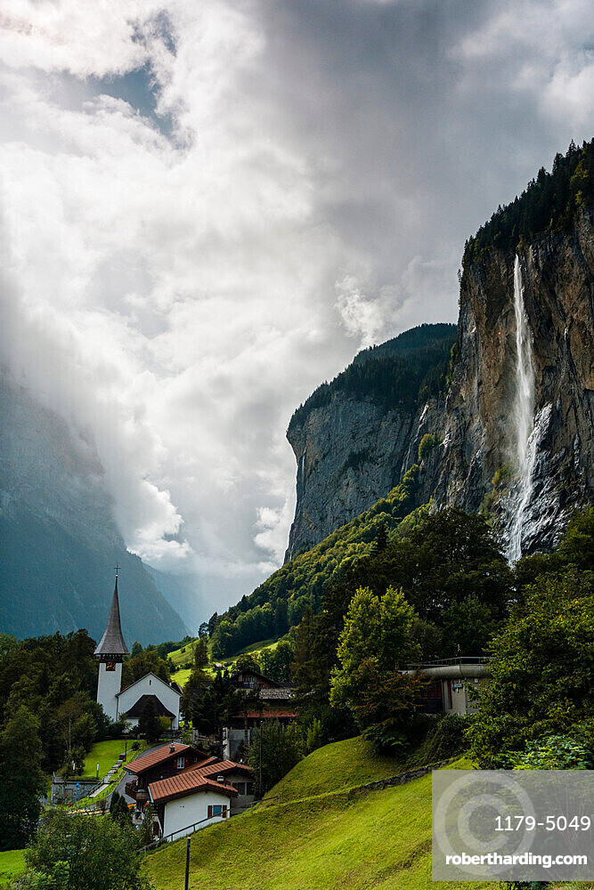 The Staubbach Falls in summer, Lauterbrunnen, Bernese Oberland, canton of Bern, Switzerland, Europe