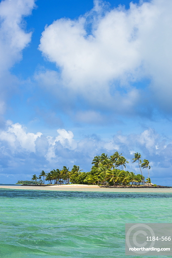 Beautiful little islet in the lagoon of Wallis, Wallis and Futuna, Pacific