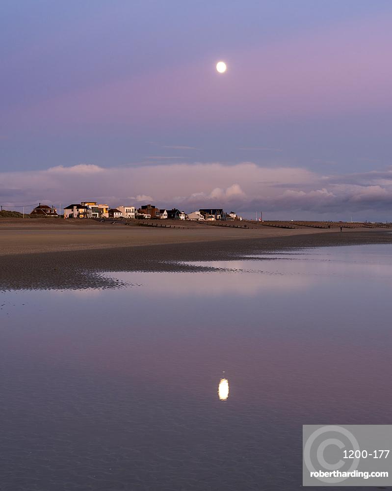 Moonrise, Camber Sands, East Sussex, England, United Kingdom, Europe